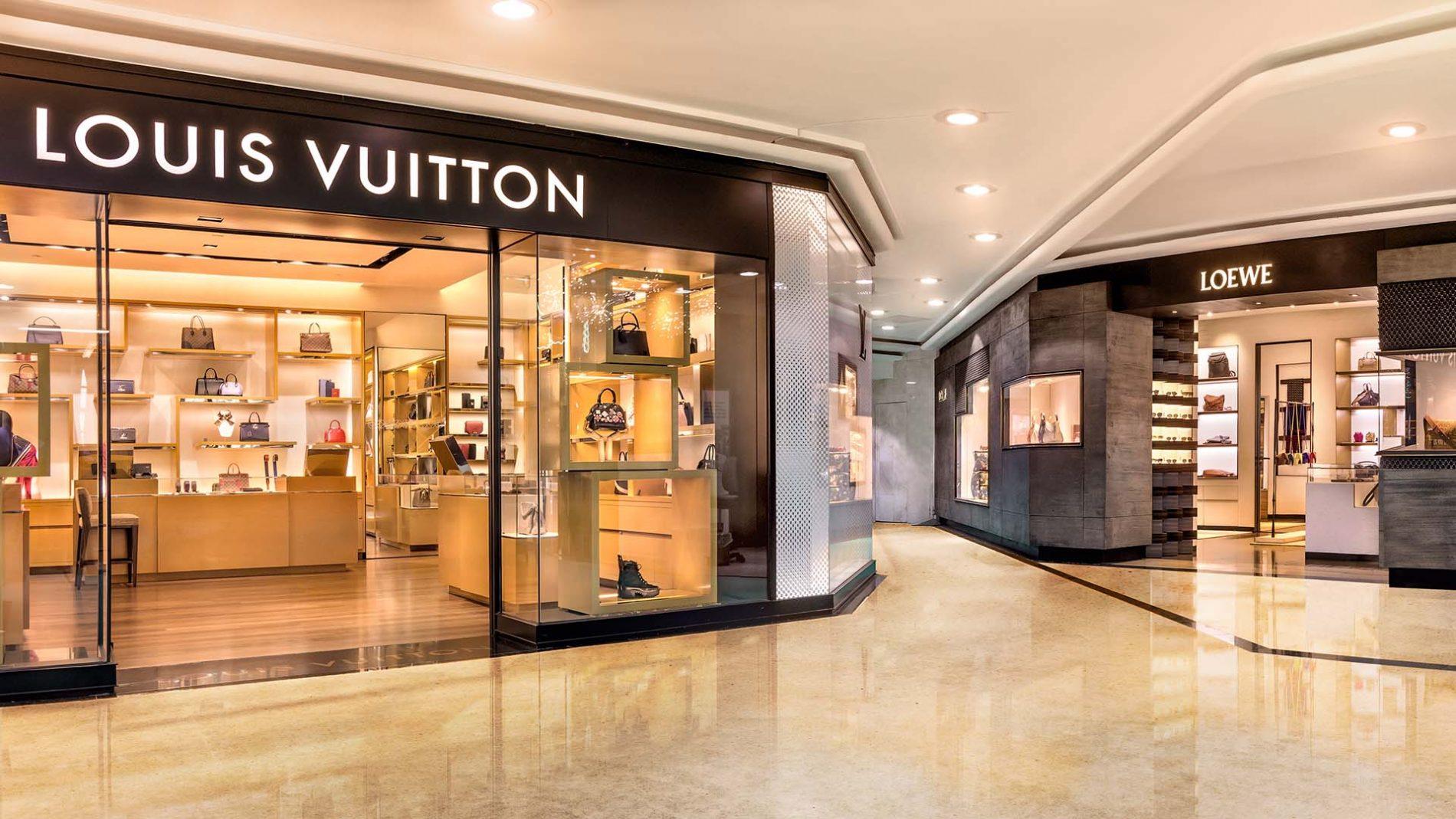 El Corte Inglés Diagonal Store Louis Vuitton Loewe