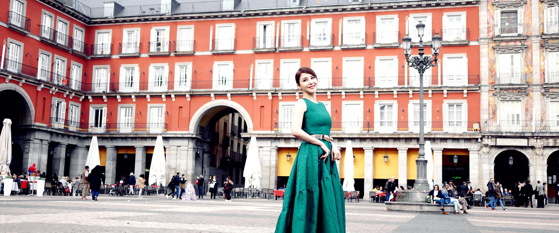 Actress Crystal Mu Carolina Herrera Dress Plaza Mayor Madrid