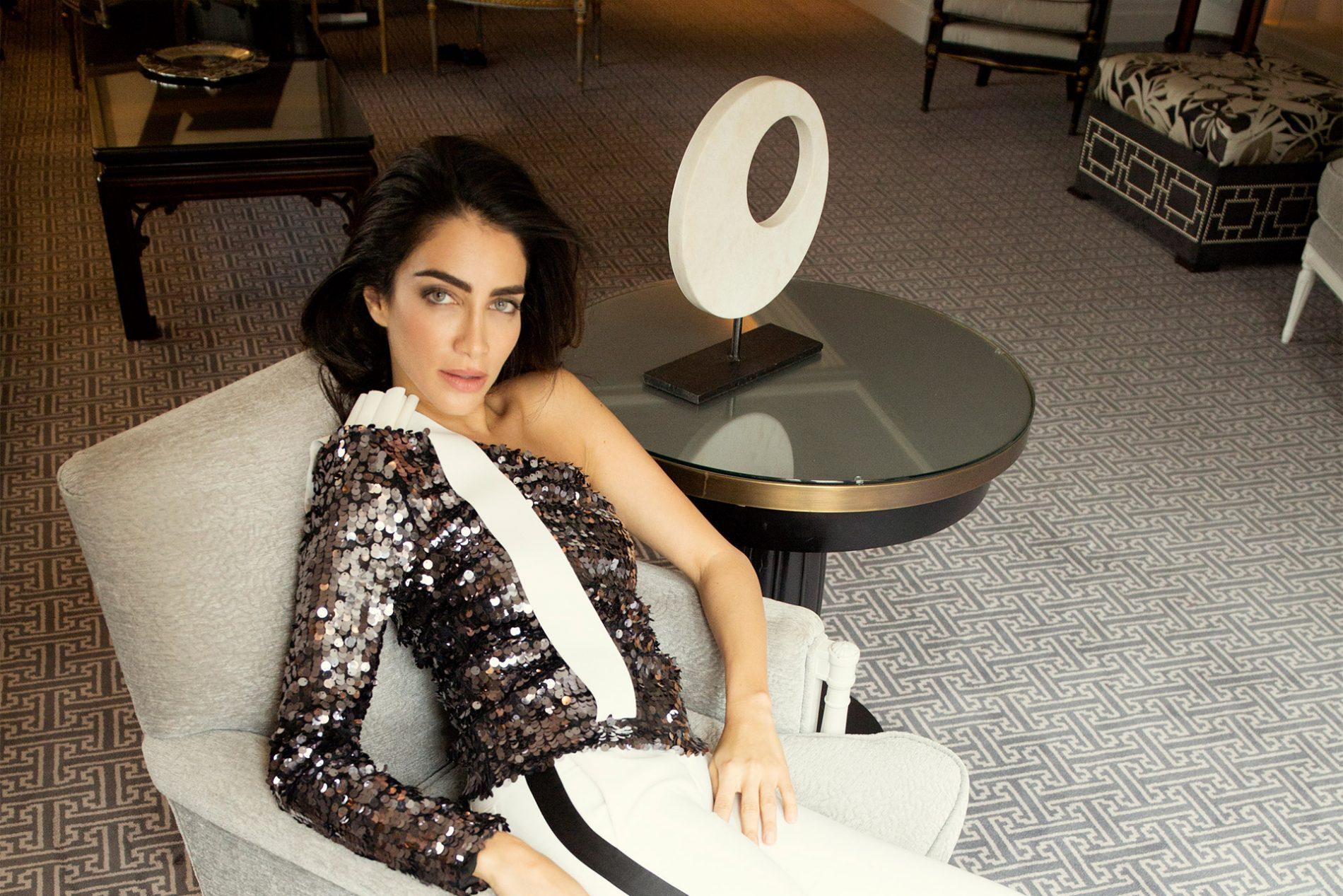 穿搭:MSMG、Valentino,Jessica Kahawati于马德里麦格纳别墅酒店
